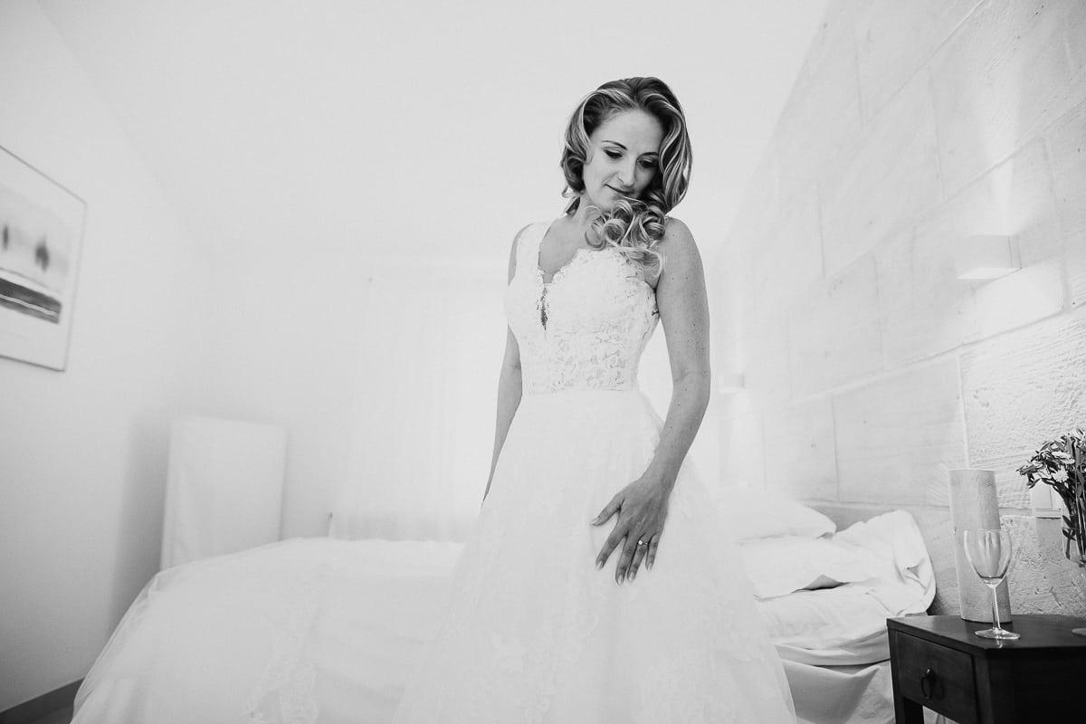 Portrait der Braut kurz vorm Gehen.