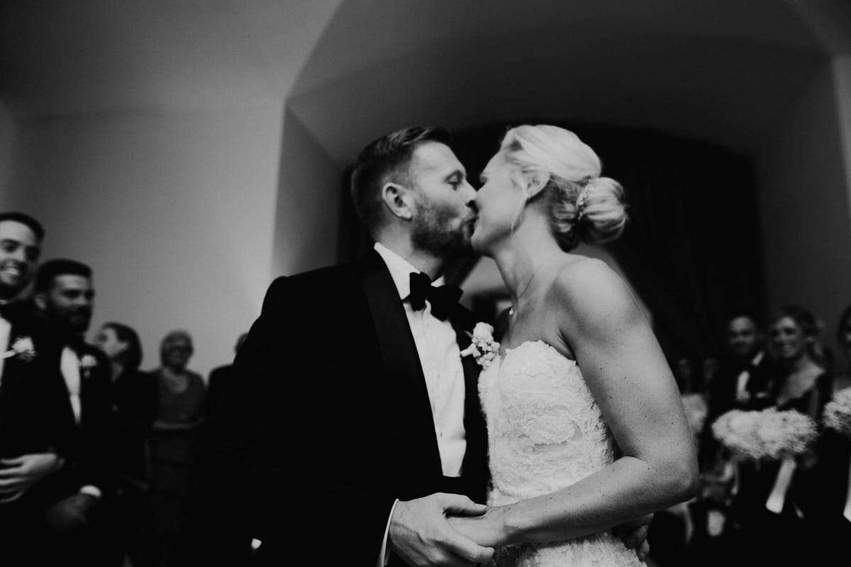 Der Brautkuss.