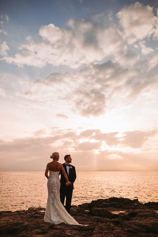 Brautpaar Portrait im Cap Rocat während des Sonnenuntergangs.