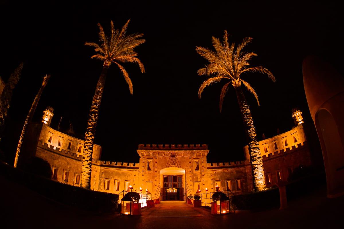 Die Hochzeitslocation Cap Rocat auf Mallorca bei Nacht.