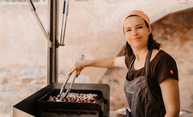 Portrait von Caroline Fabian bei der Arbeit