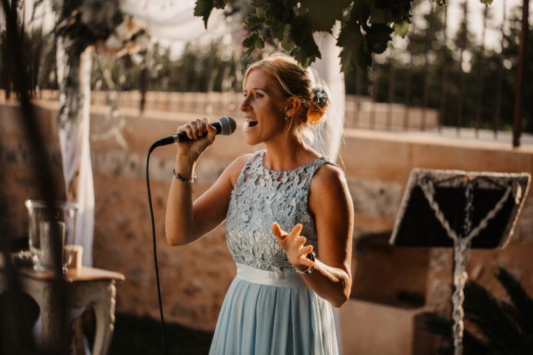 Die Hochzeitssängerin Sandra Backwinkel auf Mallorca