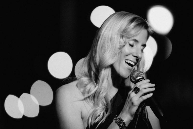 Die Sängerin Sandra Backwinkel
